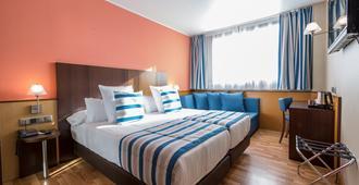 Hotel Ronda Lesseps - ברצלונה - חדר שינה