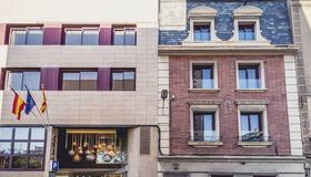 Hotel Ronda Lesseps - Barcellona - Edificio