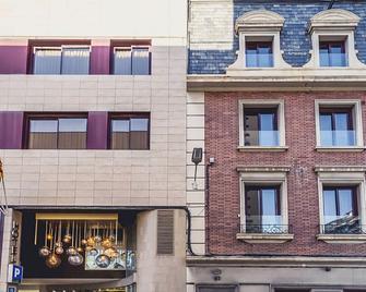 Hotel Ronda Lesseps - Барселона - Building