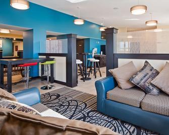 SureStay Plus Hotel by Best Western Jasper - Jasper - Вітальня