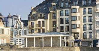 Escale Oceania Saint-Malo - סן מאלו - בניין
