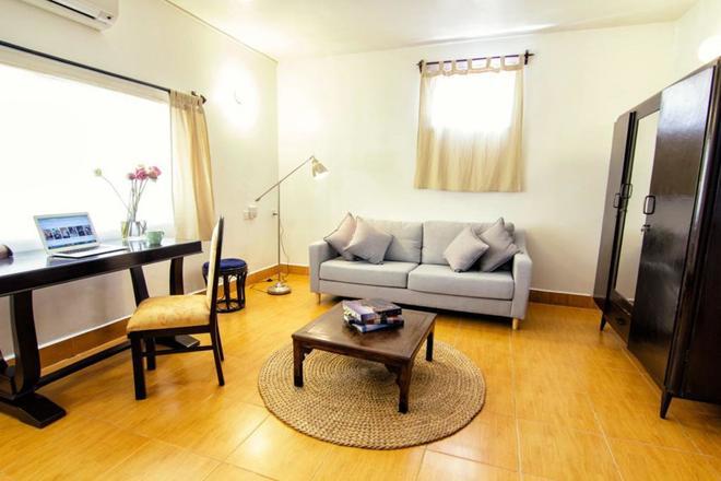 You Khin House - Phnom Penh - Living room