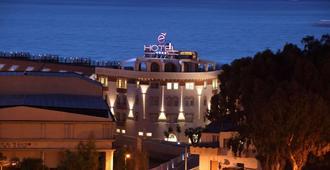 E' Hotel - Reggio Calabria - Edificio
