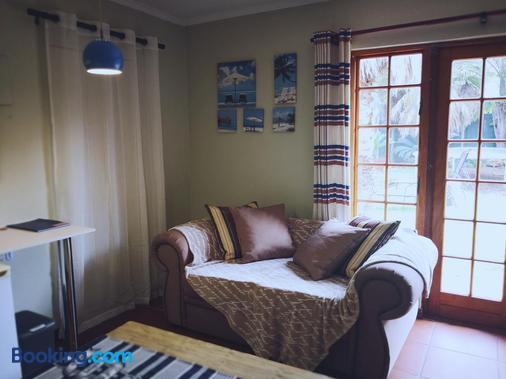 3 Brothers B&B - Johannesburg - Living room