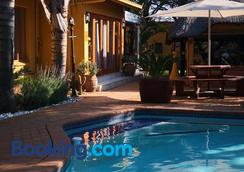 3 Brothers B&B - Johannesburg - Pool