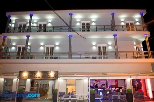 Hotel Aheron - Ammoudia - Building