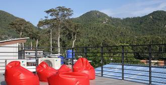 獨立青年旅舍 - 龜島 - 陽台