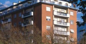 Hotel Garni Lux - Merano - Building