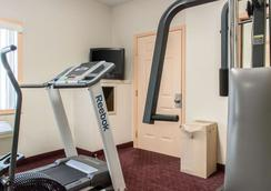 Econo Lodge - Carlisle - Gym