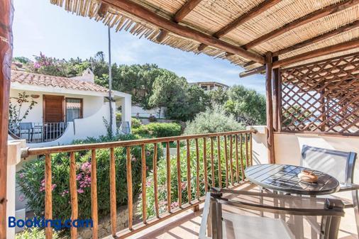 Club Hotel Baja Sardinia - Arzachena - Balcony