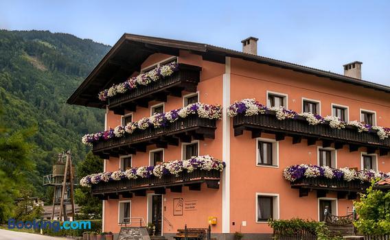 Pension Handle 95 1 4 3 Kramsach Hotel Deals Reviews Kayak