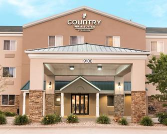 Country Inn & Suites by Radisson, Cedar Rapids Air - Cedar Rapids - Gebouw