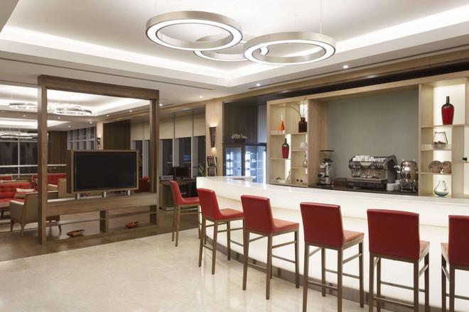 伊斯坦布爾百瑞巴沙華美達安可酒店 - 伊斯坦堡 - 伊斯坦堡 - 酒吧