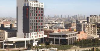 Ramada Encore by Wyndham Istanbul Bayrampasa - Istanbul - Edificio
