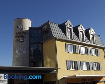 Hotel Movieworld - Spiez - Building