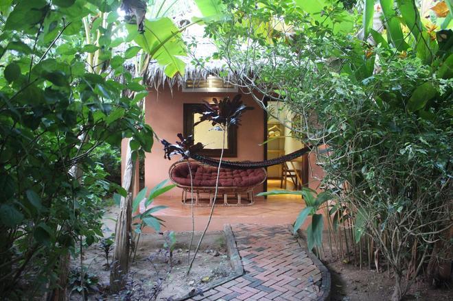 Botanica Guesthouse - Kep - Patio