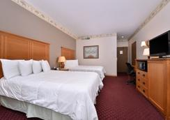 Stage Coach Inn - West Yellowstone - Bedroom