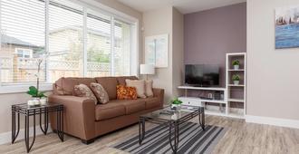 Private And Cozy 2bdr 2ba Home In Kitsilano - Vancouver - Sala de estar