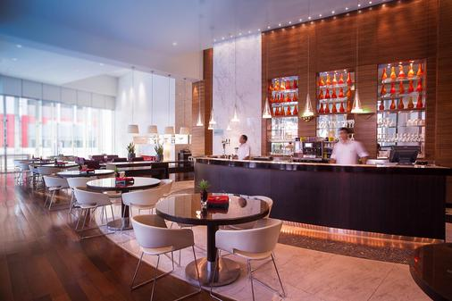 Media One Hotel Dubai - Dubai - Bar