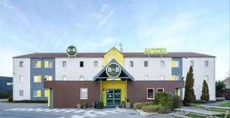 B&b Hotel Calais Centre St Pierre - Calais - Building