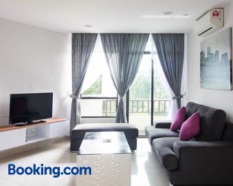 Holiday Homes At Samsuria Resort - Balok