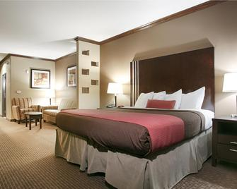 Best Western PLUS Texoma Hotel & Suites - Denison - Bedroom