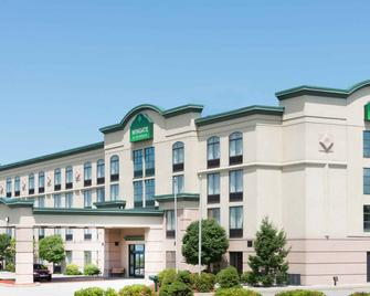 Wingate by Wyndham Erie - Erie - Building