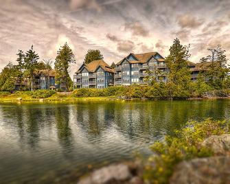 Waters Edge Shoreside Suites - Ucluelet - Building