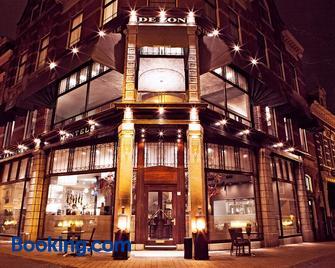 Brasss Hotel Suites - Haarlem - Building