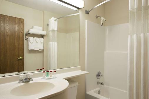 Ramada Limited Bloomington - Bloomington - Phòng tắm