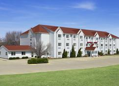 Ramada Limited Bloomington - Bloomington - Κτίριο