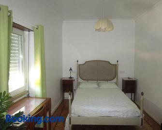 Pensão Luanda - Tomar - Bedroom