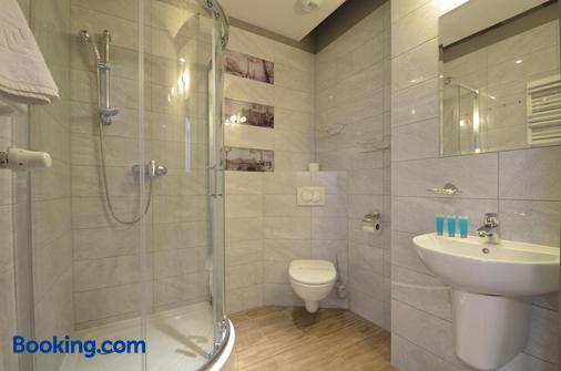 奧斯洛戴克懷波克吉科威左札飯店 - 科沃布熱格 - 浴室