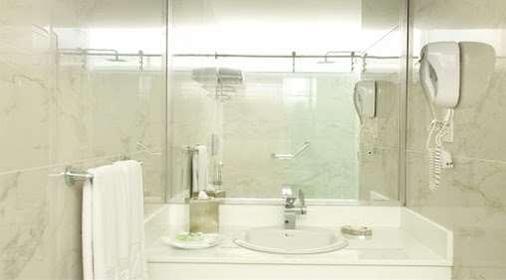 Rio Amazonas Hotel - Quito - Bathroom