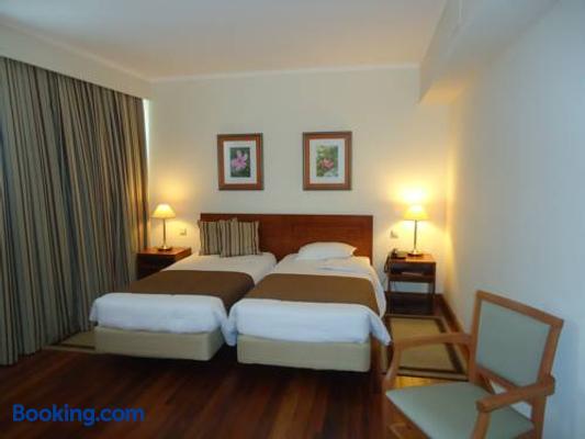 Hotel Camoes - Ponta Delgada (Açores) - Bedroom