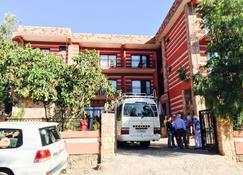 Harbe Hotel - Klippekirkerne i Lalibela - Bygning