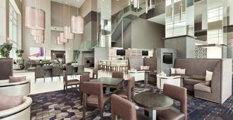 Embassy Suites by Hilton Charlotte Uptown - Charlotte - Restaurante