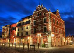 Hotel Hiddenseer - Stralsund - Building
