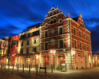 Hotel Hiddenseer - Stralsund - Building
