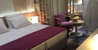 Hotel Cosmopolit - סרייבו - חדר שינה