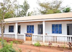 African wagtail hostel - Karatu - Building