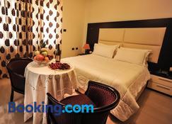 Hotel Vila E Arte - Tirana - Bedroom