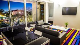 Adge Apartments - Sydney - Living room