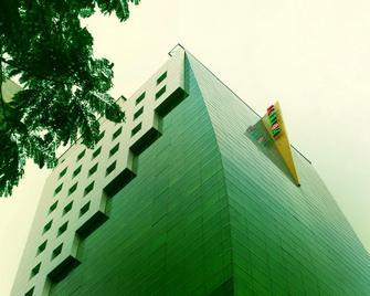 Hotel 71 - Dhaka - Building