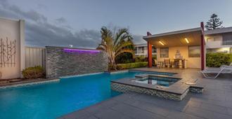 Platinum International - Toowoomba - Pool