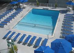 The Diplomat Beach Club Suites - Wildwood - Piscina