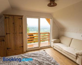 Vineyard Cottage Hram Rataj - Ново Место - Living room