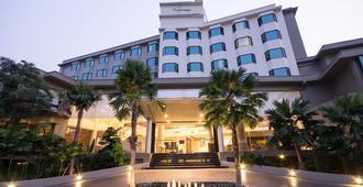 โรงแรมแกรนด์ริเวอร์ไซด์ - พิษณุโลก