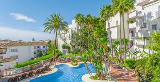 Royal Oasis Club At Pueblo Quinta By Diamond Resorts - Benalmádena - Piscina