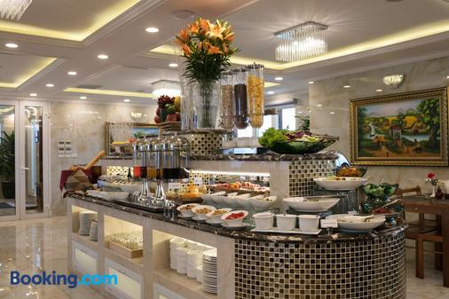 The Light Hotel - Hanoi - Buffet